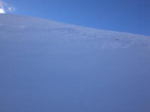 Gipfelhang mit Blankeis im oberen Bereich