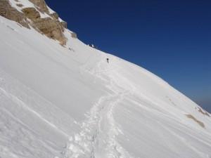 Beim Aufstieg, oben die alte Bergstation