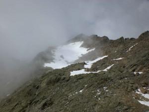 letztes Schneefeld links umqueren
