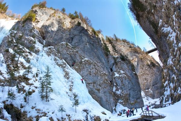 http://dolomitistars.dolomiti.org/index.cfm/veranstaltungen/iceclimbing-meeting-deu/ letzter Zugriff 08.12.15.